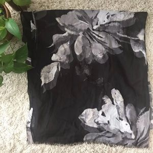 Large Floral Scarf✨